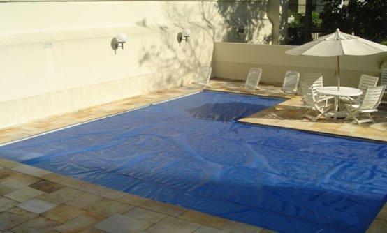 Benefícios do uso de coberturas em piscinas