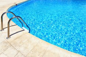 Bons equipamentos para piscinas